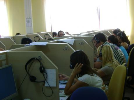 vivre londres emploi centre dappel travailler dans un centre d 39 appel. Black Bedroom Furniture Sets. Home Design Ideas