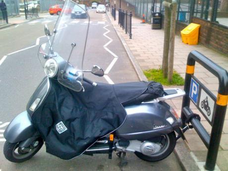 vivre londres transport scooter moto bien choisir son scooter. Black Bedroom Furniture Sets. Home Design Ideas