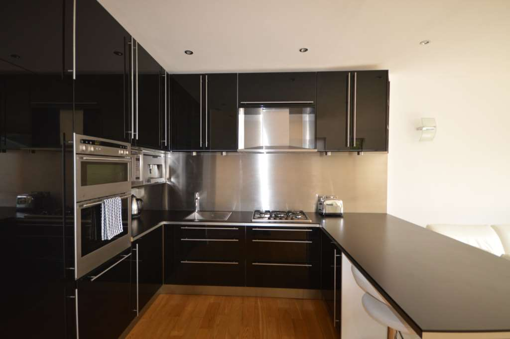 A vendre appartement 3 chambres situe ground floor apartment agar grove nw1 - Appartement a vendre londres ...