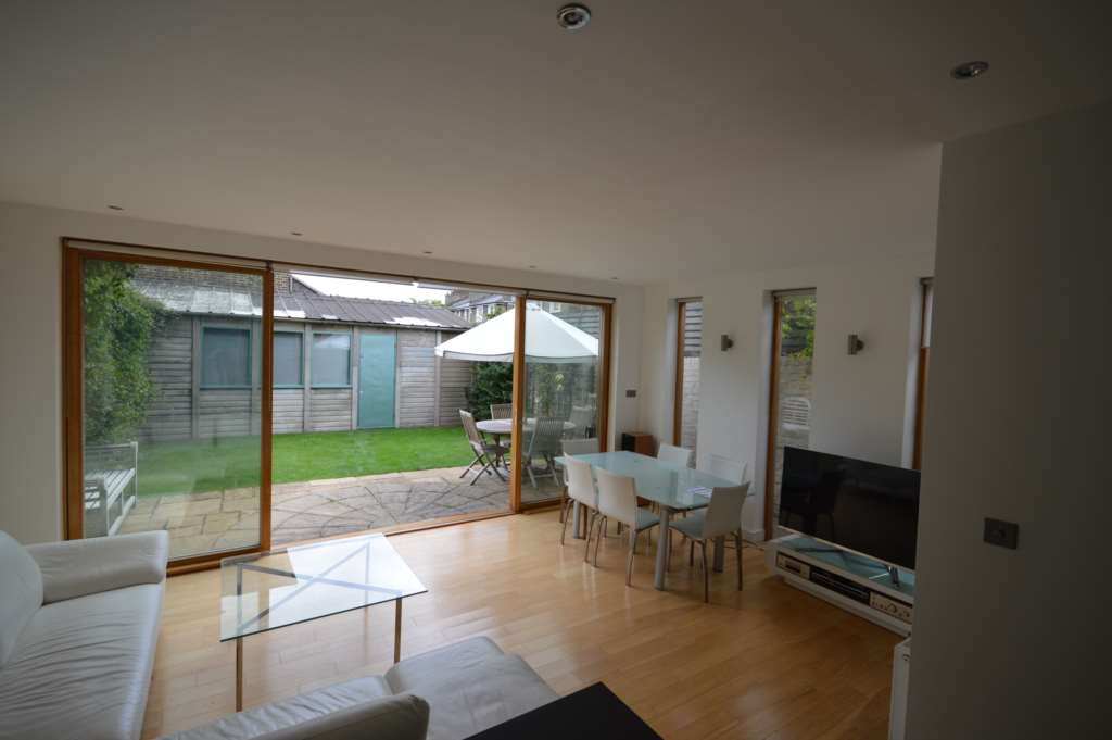 A vendre appartement 3 chambres situe ground floor apartment agar grove nw1 - Appartement a vendre a londres ...