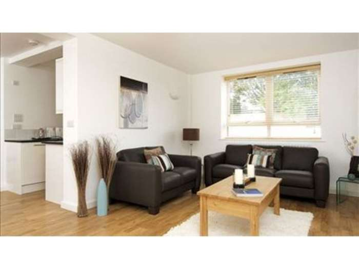 A louer appartement 2 chambres situe flat kew bridge court w4 londres 490 - Chambre a louer a londres ...