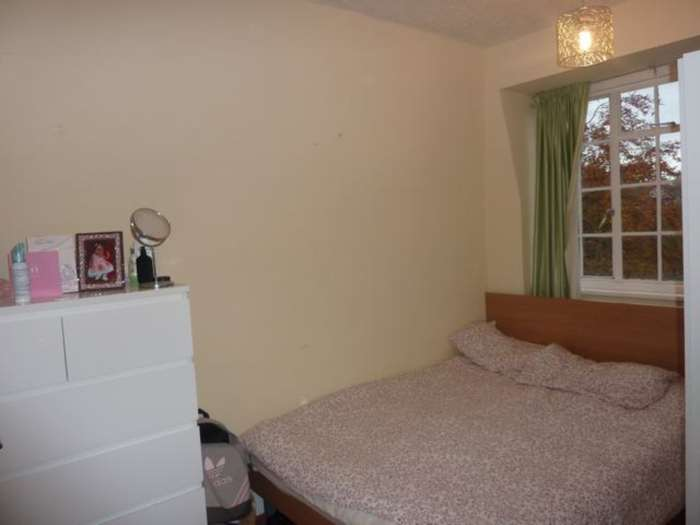 A louer appartement 2 chambres situe 1 ealing village w5 londres 323 - Chambre a louer a londres ...
