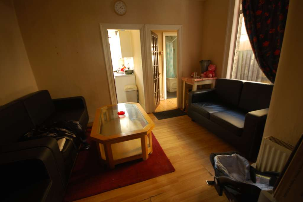 A vendre appartement 2 chambres situe 133a claude rd e10 londres 249995 - Appartement a vendre londres ...