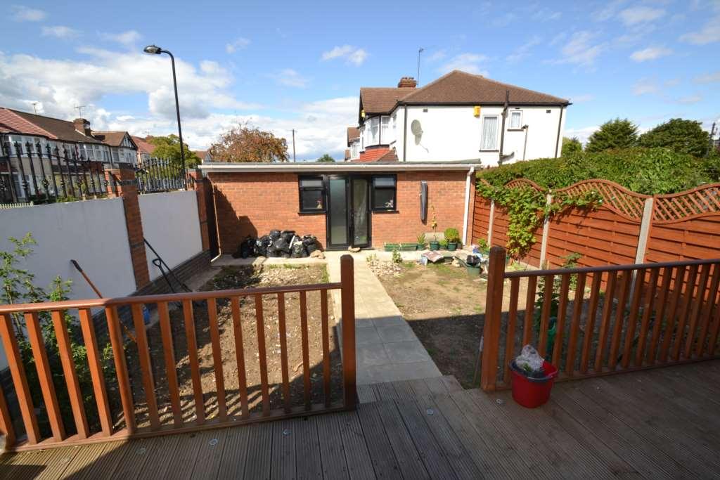 A louer maison 5 chambres situe 16 ferrymead avenue ub6 - Louer maison londres ...