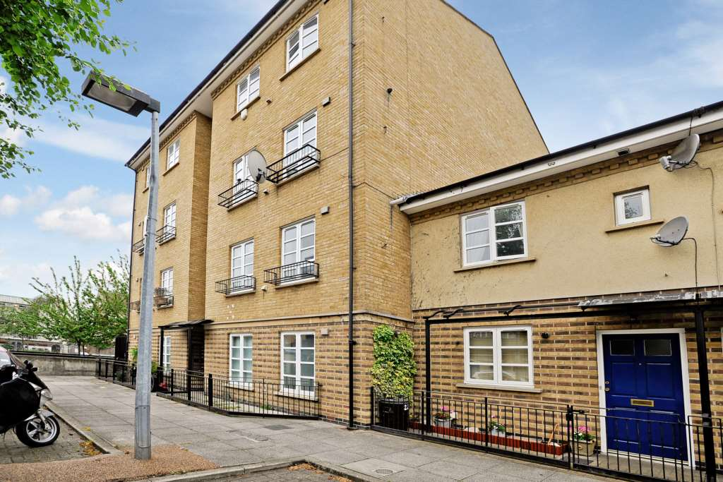 A louer appartement 3 chambres situe hainton close e1 londres 370 - Chambre a louer a londres ...
