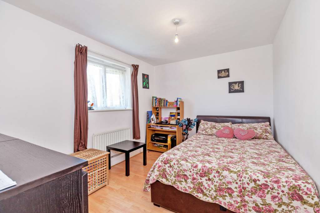 A vendre appartement 2 chambres situe 7 lily nichols house connaught road e - Appartement a vendre londres ...