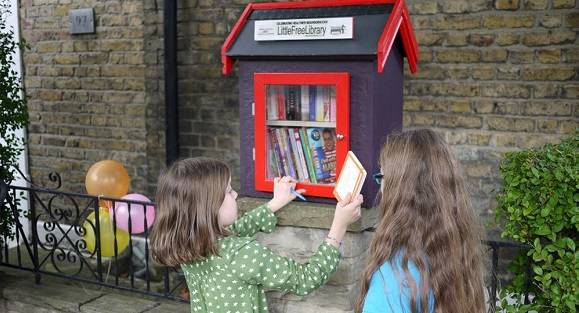 londres_insolite_little_free_library.jpg