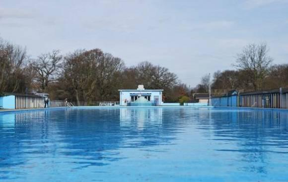Les 10 meilleures piscines de londres for Tooting bec lido swimming pool