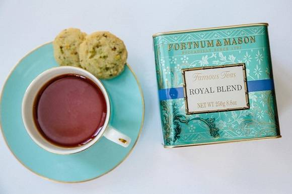 fortnum_and_mason_xmas_tea.jpg