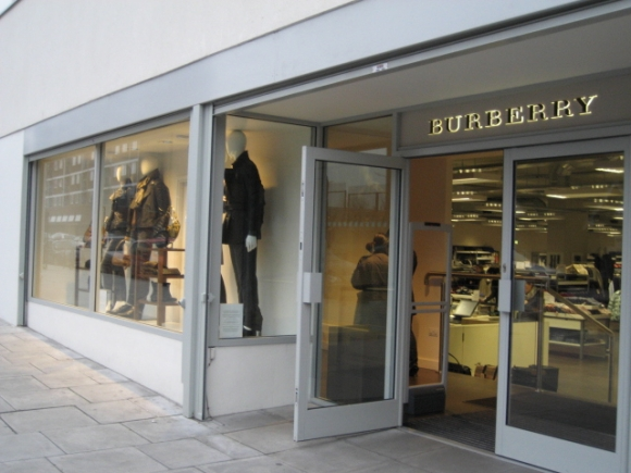 burberry-outlet-london-england.jpg